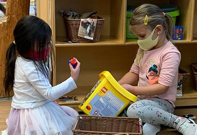Preschool kids with masks